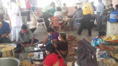 Photo of शहर कांग्रेस द्वारा १५ सौ भोजन के पैकेट रोजाना हो रहे वितरित
